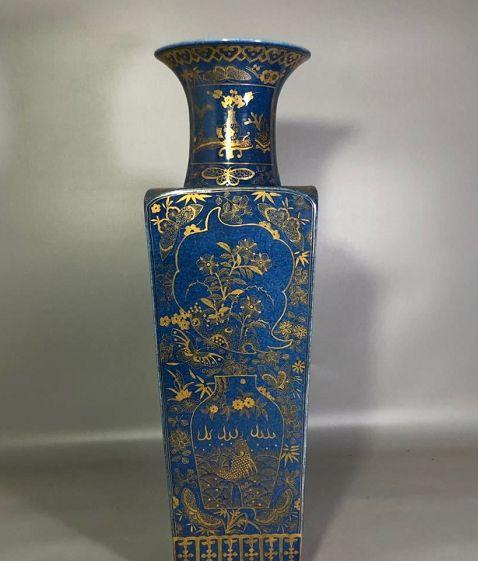 中国传统陶瓷历史悠久,陶瓷艺术品具备极高的欣赏与收藏价值