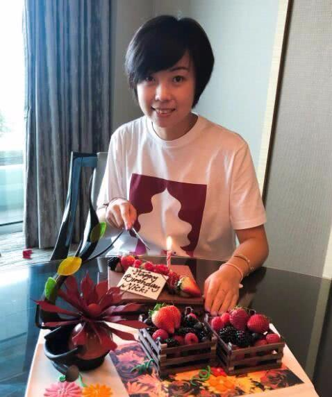 张怡宁退役后生活很滋润,儿女双全心态好,一点不见老!