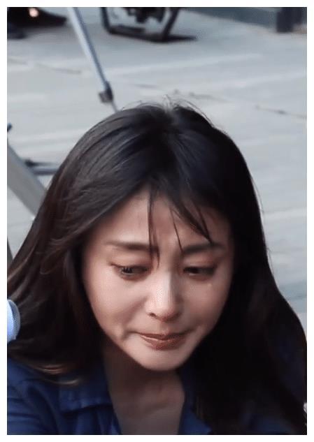 张天爱哭到眼泪鼻涕横飞,妆容全无后,露出30岁最真实的样子