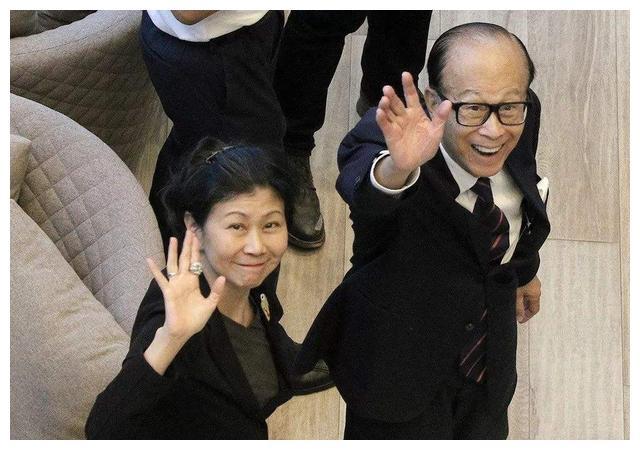 香港最有钱的女人,不是李嘉诚的红颜知己,而是铜锣湾这位阔太太
