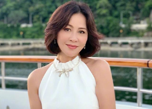 刘嘉玲《情深缘起》开播,55岁扮演娇俏少女,双马尾被嘲老态