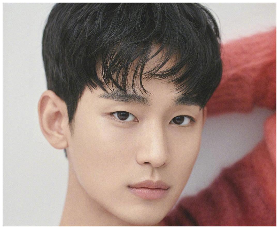 韩国男神广告资源大PK:李敏镐一年接9个广告,金秀贤紧随其后