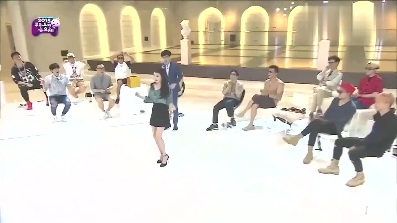 IU可爱舞蹈合集:女神女神经自由切换,权志龙都笑的合不拢嘴了