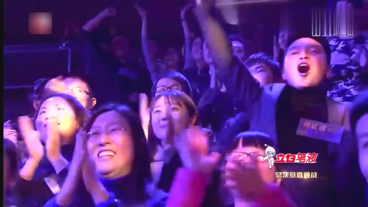 中国之星,有外国朋友在,当然要展示我们民族特有的乐器咯