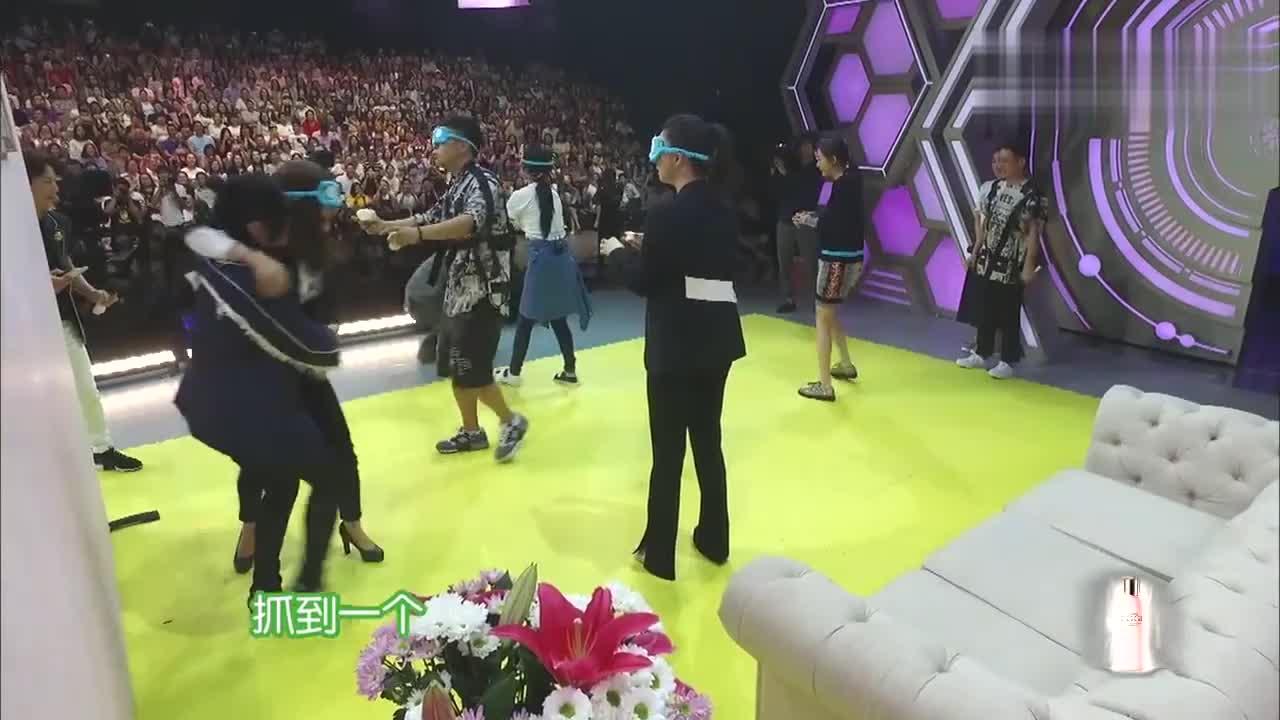 海涛问观众:自己是不是比彭于晏帅,笑疯何炅维嘉:哪来的勇气?