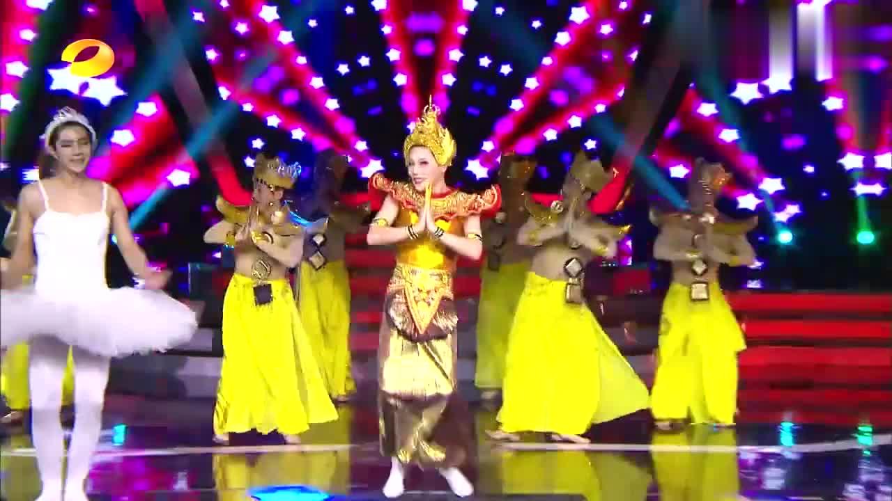"""刘维模仿泰国""""人妖"""",袁成杰跳天鹅舞,谢娜:这段眼睛不能要了"""
