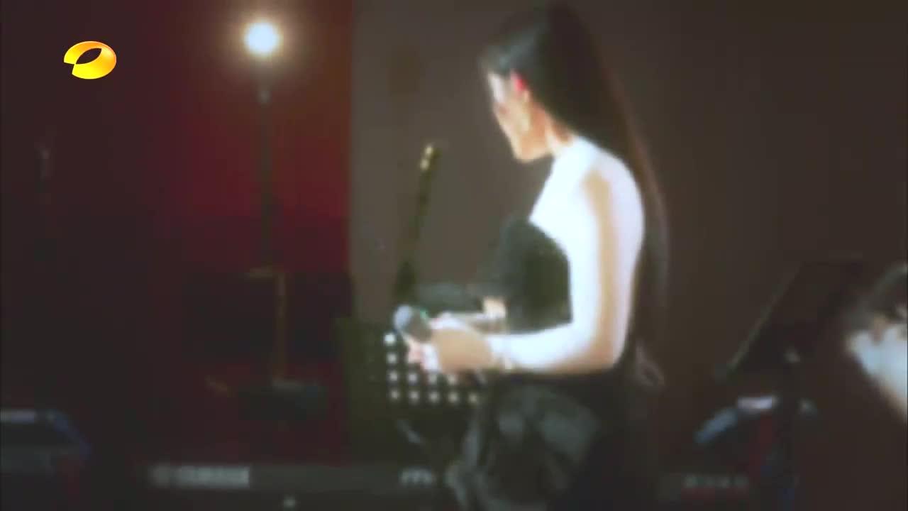 袁娅维唱《有一种悲伤》,一开口就是催人泪下,听得人直心碎!