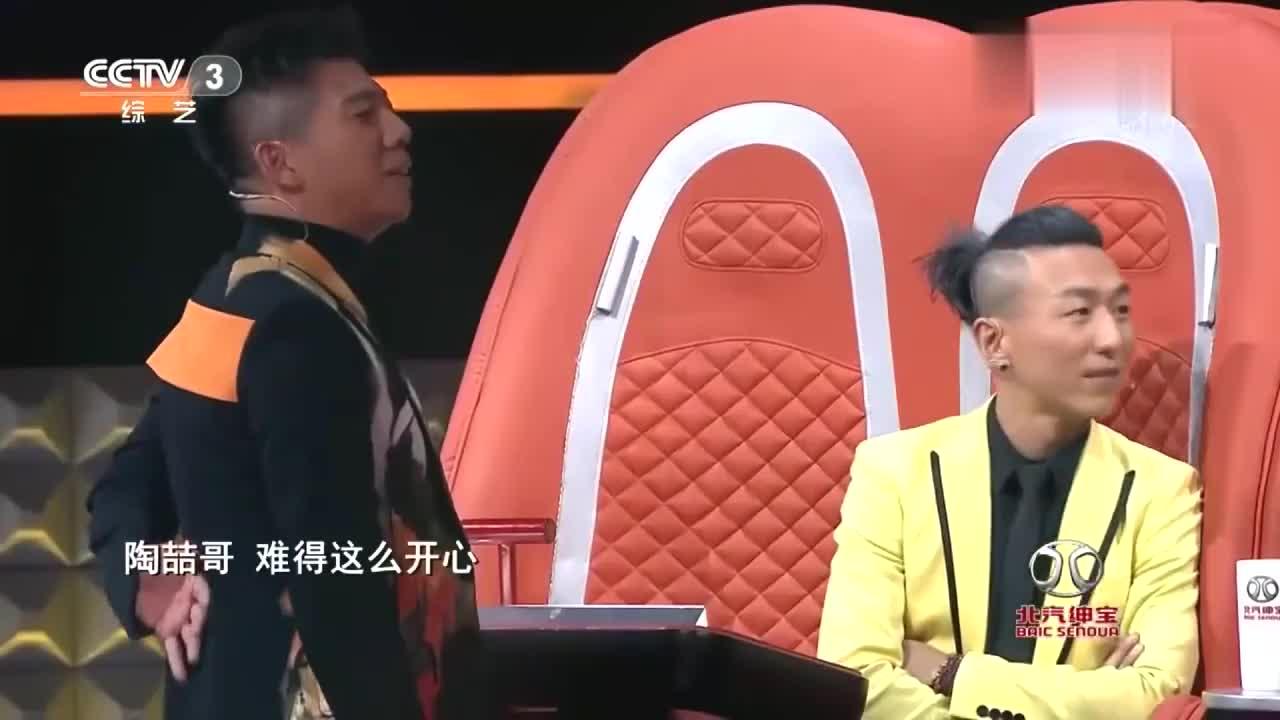 中国好歌曲,河北男孩冀行一首《雪莲》把全场的气氛搞得很安静