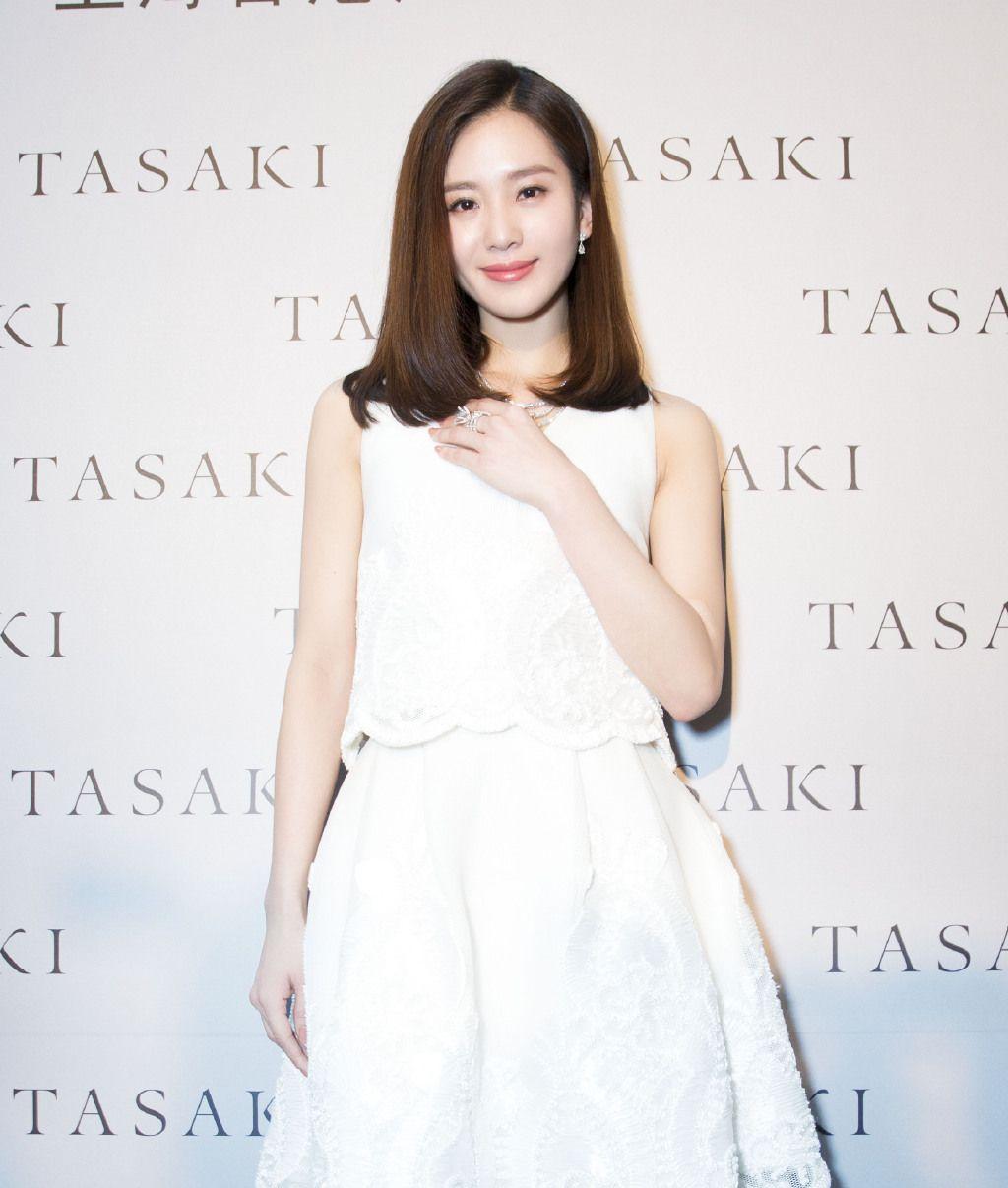 刘诗诗美貌、清纯,高挑的身材,鹅蛋型的脸庞,你喜欢她吗?