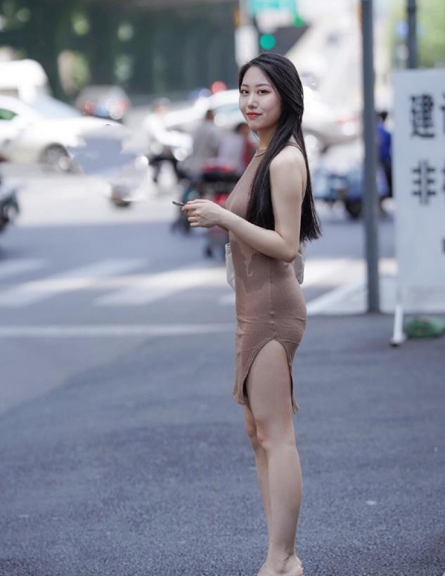 街拍:你以为的粉红色,其实早已经被岁月抹黑了