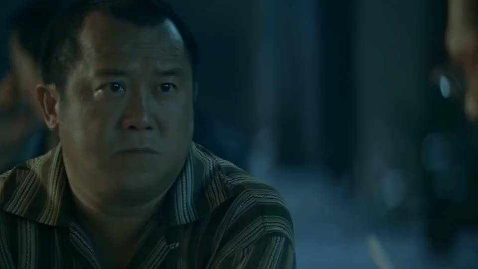 出来跑迟早要还,吴镇宇这个角色当年不拿奖可惜了。