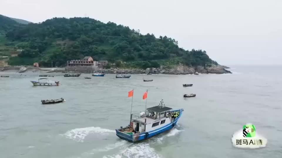 幸福三重奏:出海捕鱼真不容易,于谦吴京集体被船晃晕了