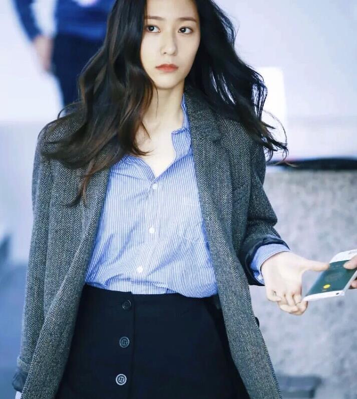 郑秀晶8套私服穿搭,可甜可盐,活生生的韩国女主角