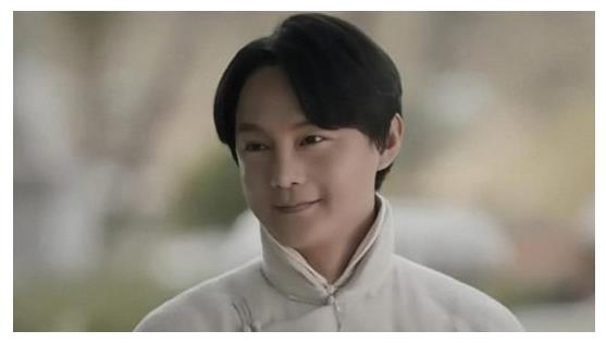 30岁鹿晗悄悄发胖神似尹正,粉丝被男神胖脸逗笑:袁华是你吗?