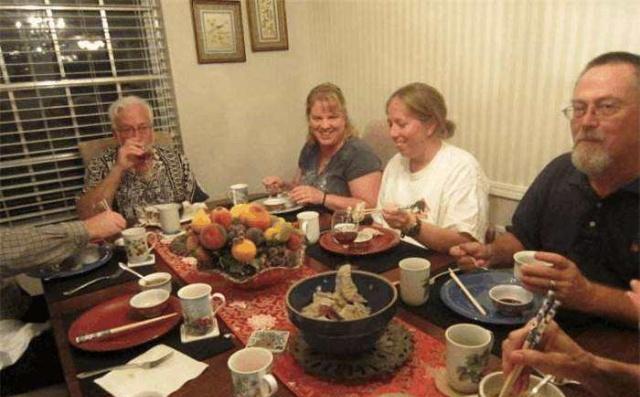 """美国小伙来中国旅游,胃被中国美食俘虏,最后得了""""中餐依赖症"""""""