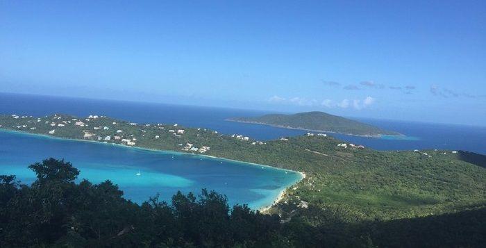 在巴巴多斯岛不仅可以享受阳光沙滩,还能潜入深海探查海底世界
