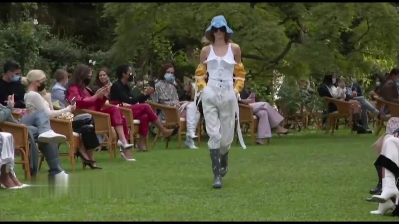 洛伦佐·塞拉菲尼2021年米兰春夏时装周