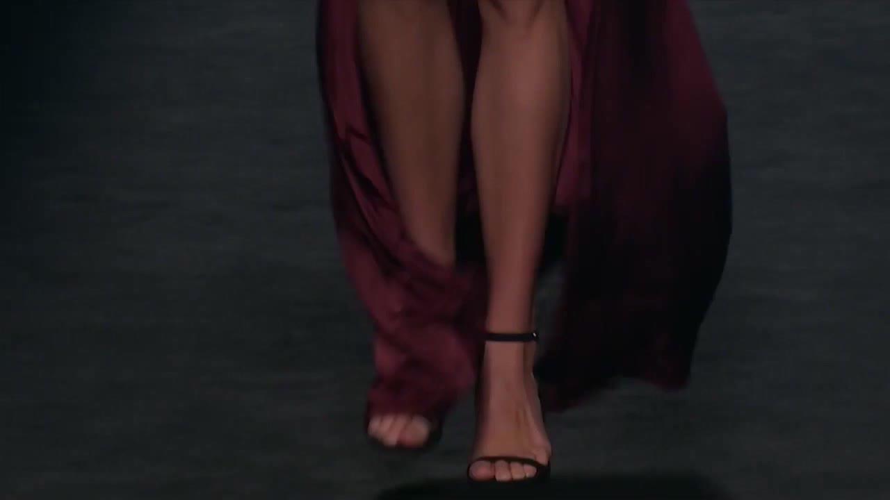 伊莎贝尔·桑切斯2021春夏时装秀