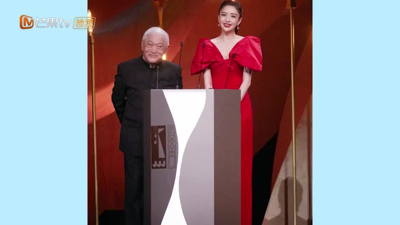追星成功!佟丽娅晒与刘德华合影难掩激动,迷妹样子太可爱!