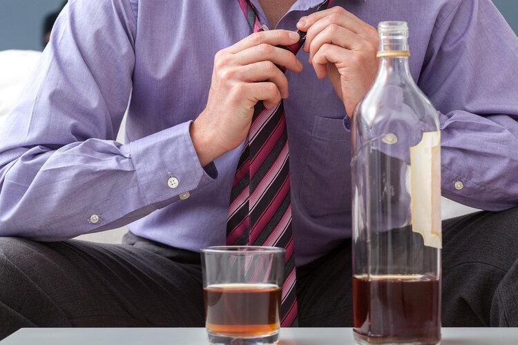 喝酒后,若出现4种现象,你可能得胰腺炎了!最好去检查一下