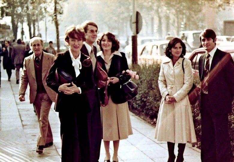 1979年伊斯兰革命前的伊朗女性,不戴面纱,穿着打扮比欧美还开放