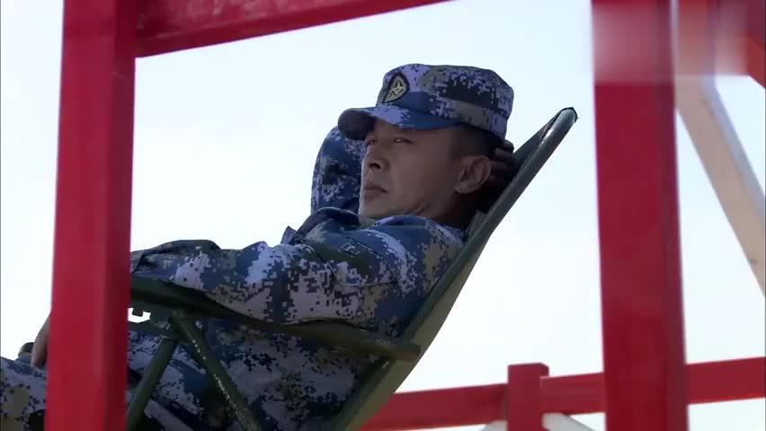 火蓝刀锋:训练真是残酷,半小时吃饭,吃完直接五公里武装泅渡