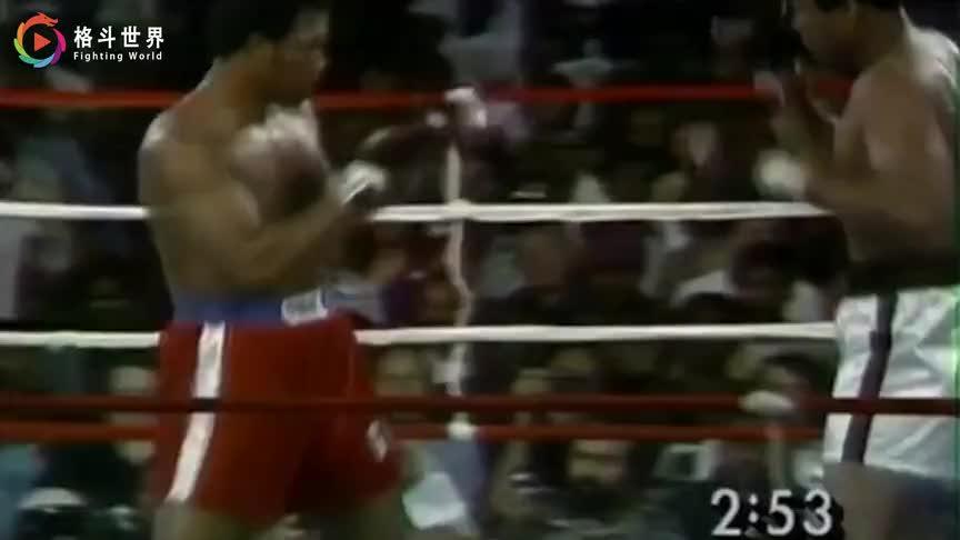 穆罕默德·阿里VS乔治·福尔曼阿里神速挥拳,快速格挡KO福尔曼