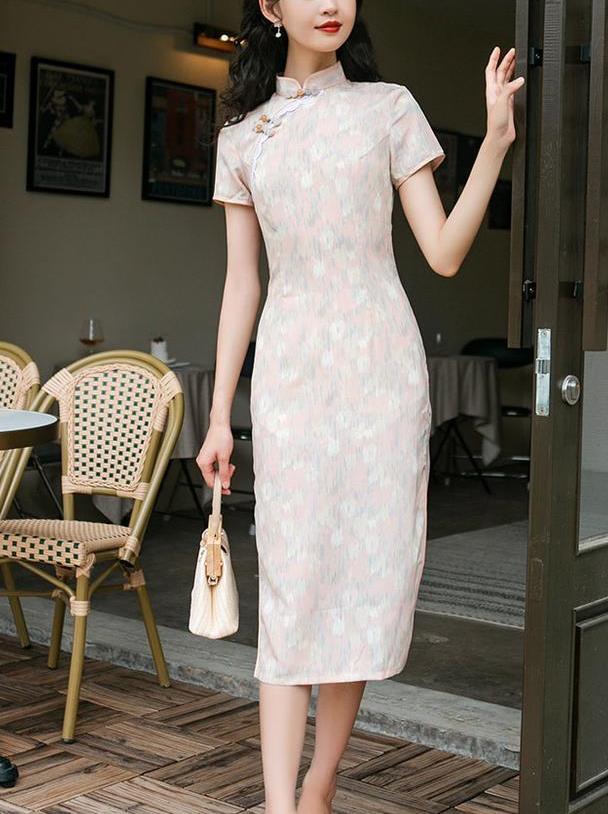 """今夏流行一种裙子叫""""旗袍裙"""",自带复古滤镜,美得惊艳时光!"""