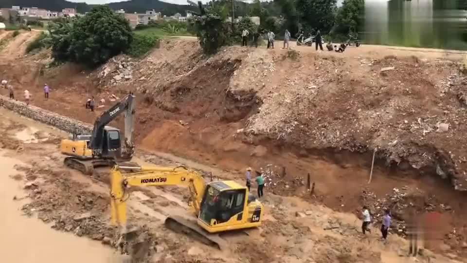 广西工地请来5台挖掘机,工资却不同,引来众人围观!