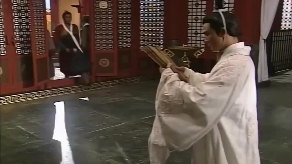 嬴政用活人给秦王陪葬,怎料项少龙的一番话,陪葬品立马变陶俑!
