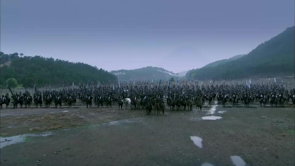 三国:吕布率兵攻打刘备,还叫他大耳贼,刘备也不敢吱声