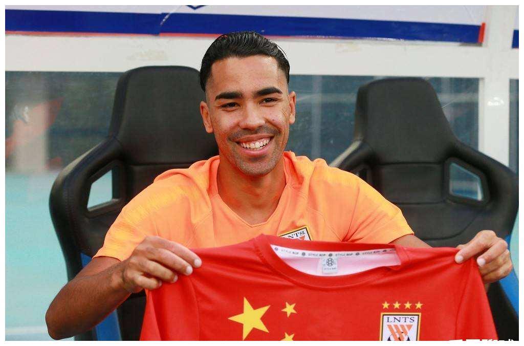 """中国足球最失败归化球员:""""留洋""""提前5轮降级,在哪踢都算外援"""
