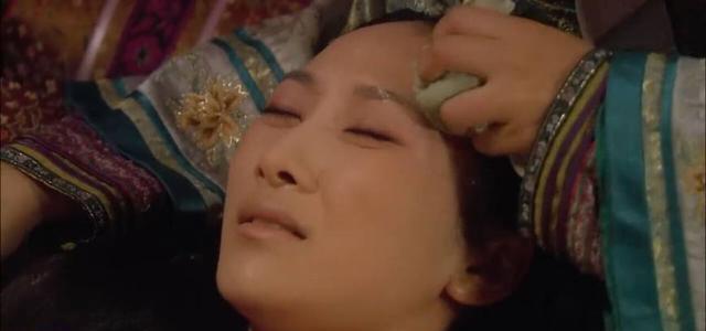 《甄嬛传》安陵容因雍正小产时,为什么敬妃恰巧和甄嬛待在一起?