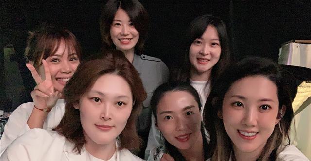 惠若琪参加《浪姐》引网友争议:怎么哪都有你!万茜好像小孩子