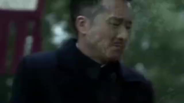 明楼得知南田死后,立马露出自己的真实面孔,这演技真好