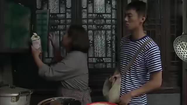 建军说自己爸爸托关系找人,能帮助苏萌进少年宫