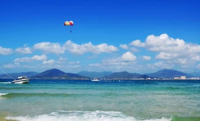 适合老年人旅游的城市,一处有东方夏威夷美誉,一处堪称人间天堂