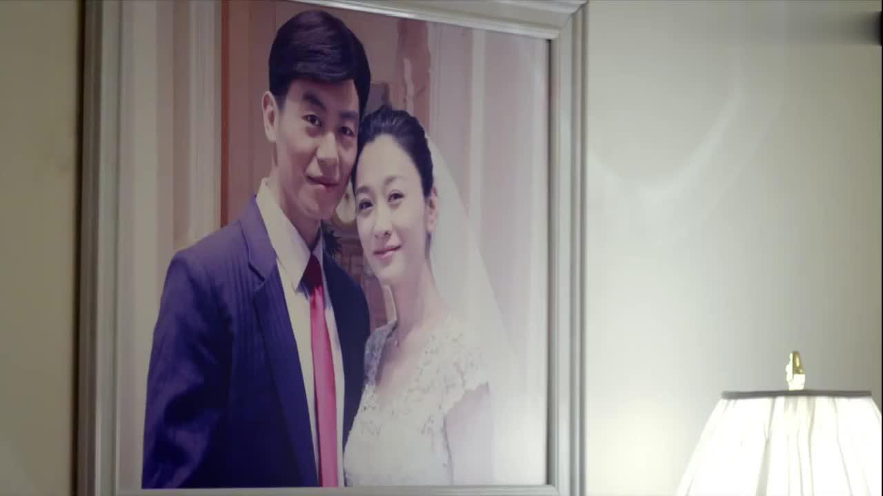 姐妹兄弟:被妈妈看到婚纱照,李小冉眼眶微红,却不说结婚的事!