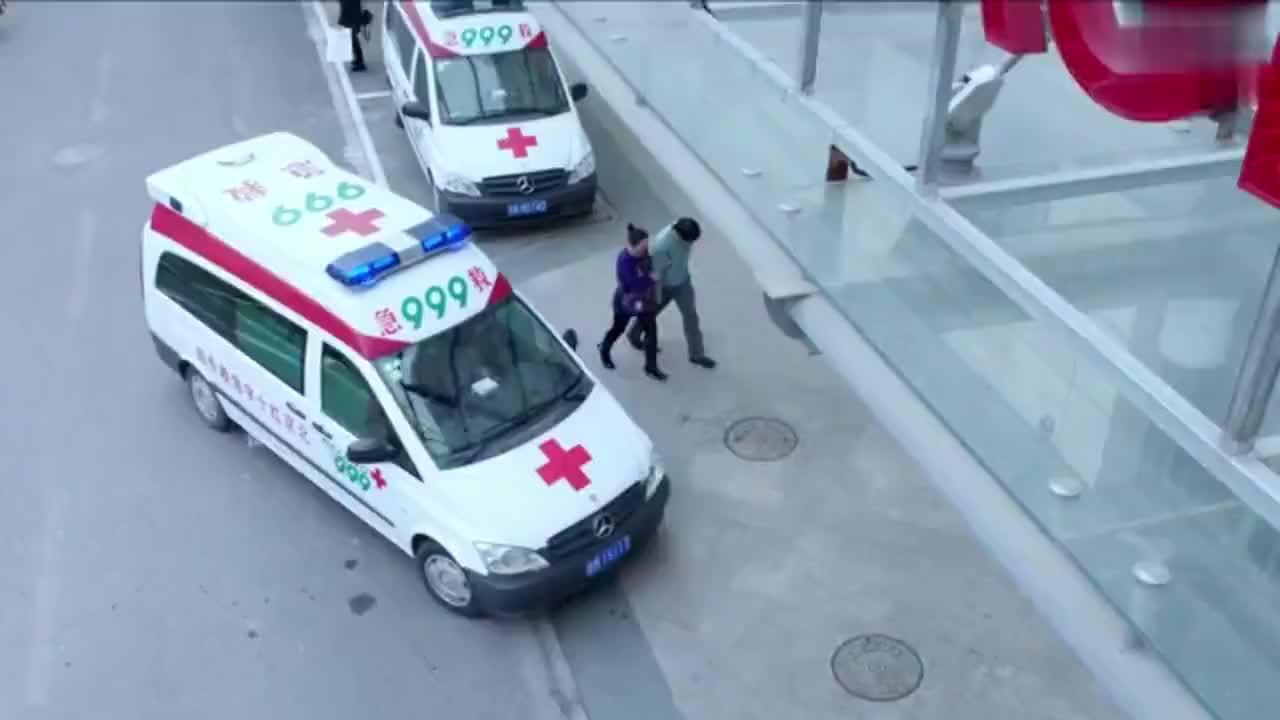 急诊科医生:货车闯红灯车祸,不料把兄弟送医院自己当场晕倒