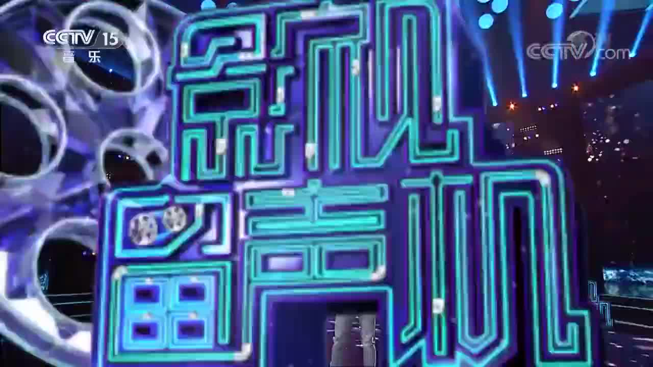 王凯演唱经典《一剪梅》,金曲流传37年,柔情歌声感动多少人!