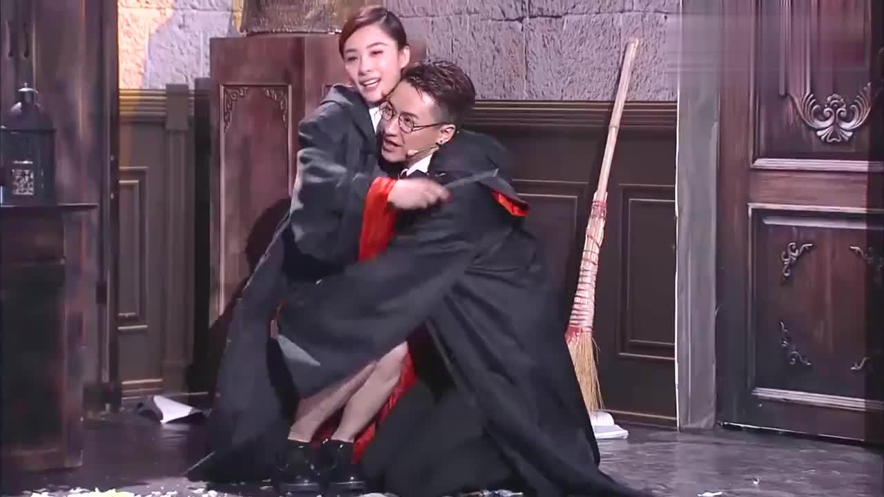 刘璇王弢经典爆笑小品,包袱多又好笑,保证你笑得合不上嘴!