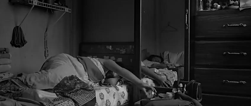 《roma》女佣带着四个孩子的生活故事,也反映了时代的变迁!