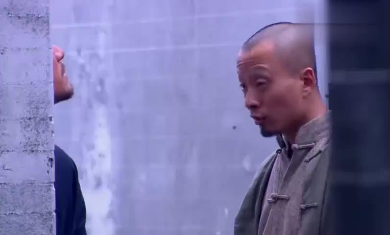花红花火:刘黑子下山刺探敌情,意外发现灵儿,将灵儿绑架