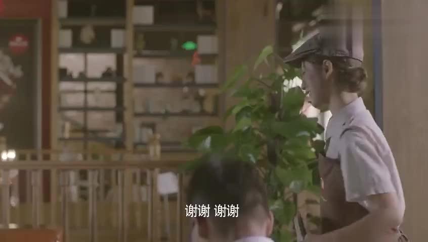 光年距离:姜槐撞坏了雪姬的豪车,雪姬不仅不索赔,还邀她同住