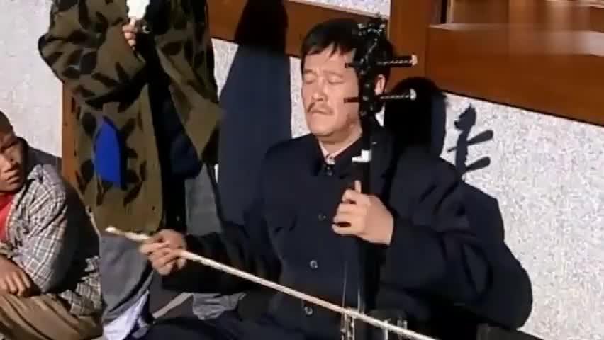马大帅:赵本山在街头卖艺,几个孤儿跑去跟他比,谁挣的钱多!