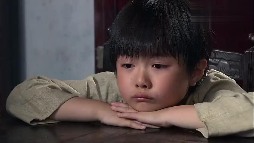 天涯赤子心:姐姐给女孩针线盒,女孩看见刺绣想起外婆,哭了