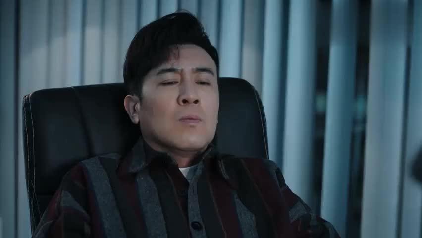 敏登的心腹转告提飒多注意那个王鹏,提飒表示对他根本不屑一顾