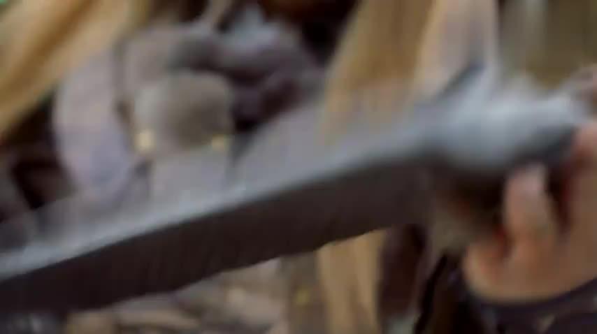 谢逊武功早已登峰造极,一招杀死大半绝世高手,不愧是明教法王!