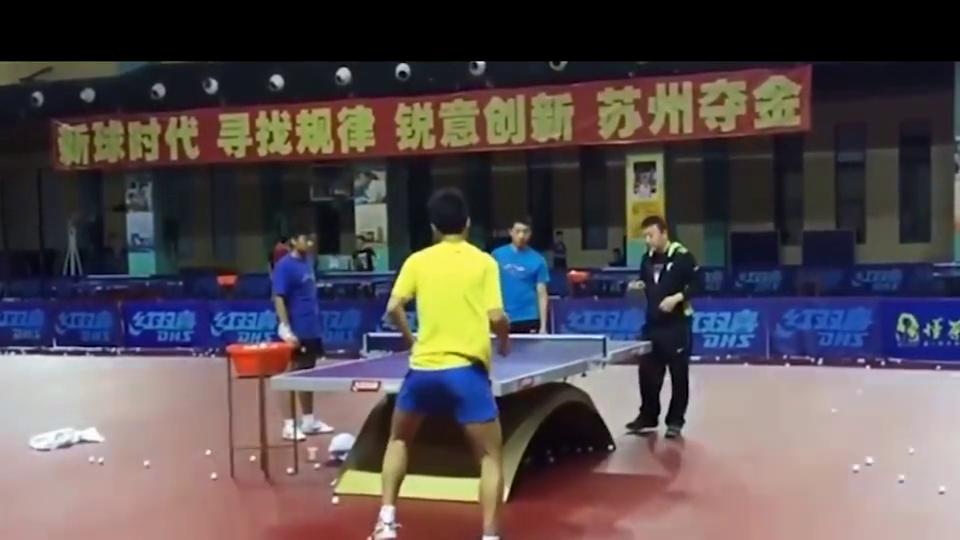 中国乒乓球:马琳指导许昕侧切技术,看他们打球好激动