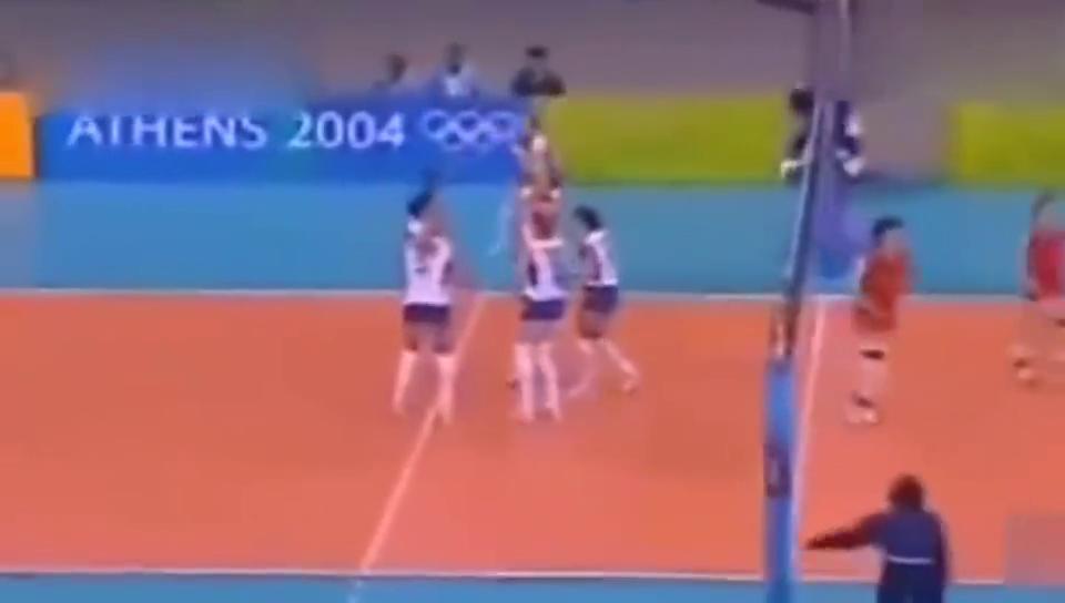 中国女排史上四大逆转:04年雅典成就最辉煌时刻,里约斩杀巴西